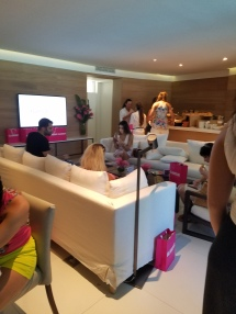 Glamour Lounge Edition Hotel