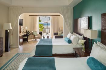 Seagrape Suite Queen Bedroom
