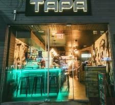 Exterior Tapa Lounge