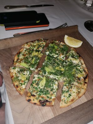 crab flatbread
